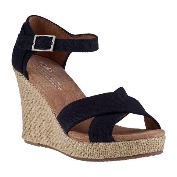3f040fd3e9c4 TOMS Women s Black Canvas Platform Wedge Sandal. M 5bea1e95a31c33ae722ece63